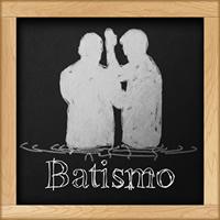 Quadro-negro com desenho e inscrição Batismo